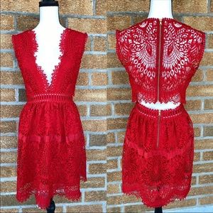 Saylor red lace dress size small